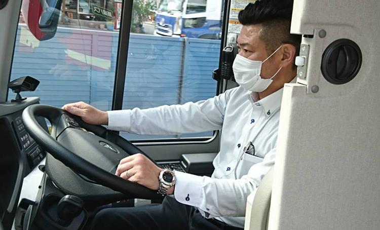 運行乗務員はマスク着用を徹底しています
