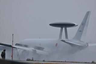 迫力満点のE-767