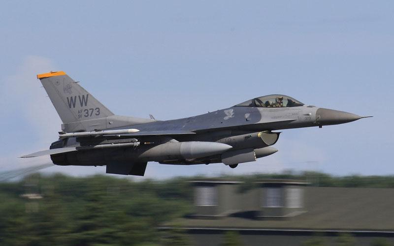 F-16 ファイティング・ファルコン