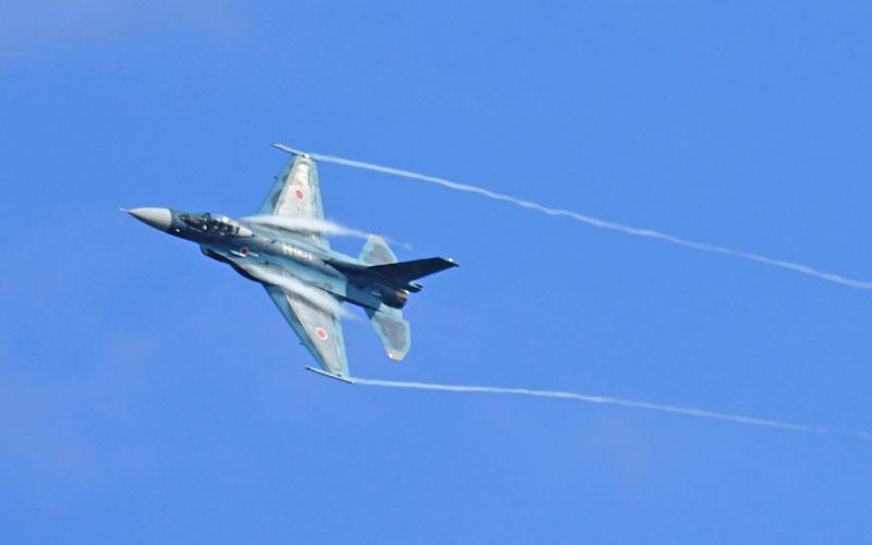 F-2展示飛行の様子
