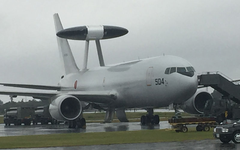 午前中になんとか展示飛行が見られたE-767