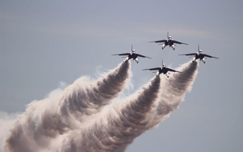 岐阜基地航空祭でのブルーインパルス展示飛行