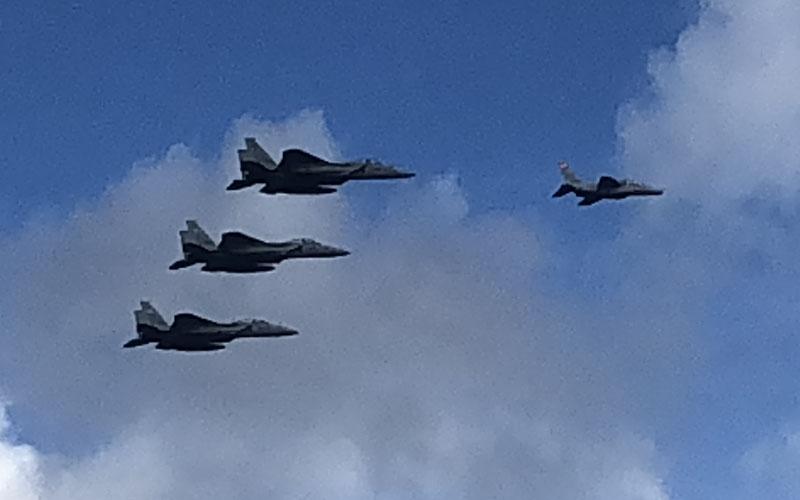 T-4とF-15