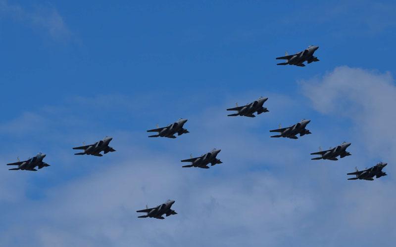 F-15の大編隊飛行