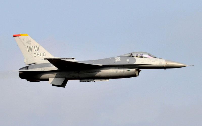 F-16展示飛行