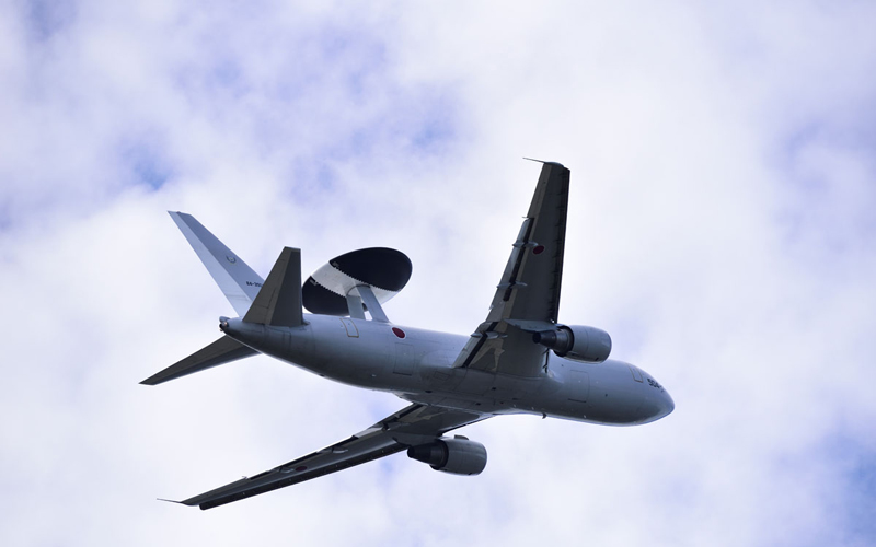 ダイナミックな飛行を見せたE-767