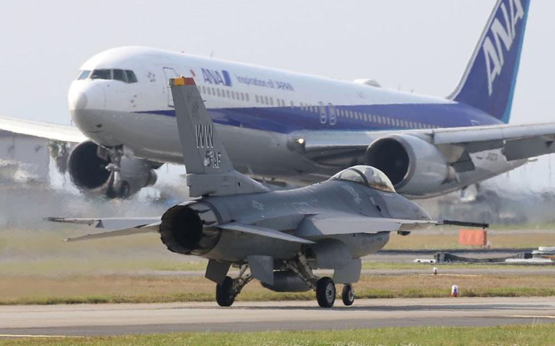 米軍の力を見せつけてくれたF-16