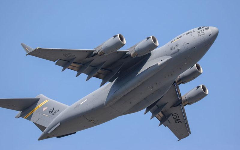 最新鋭大型輸送機C-17
