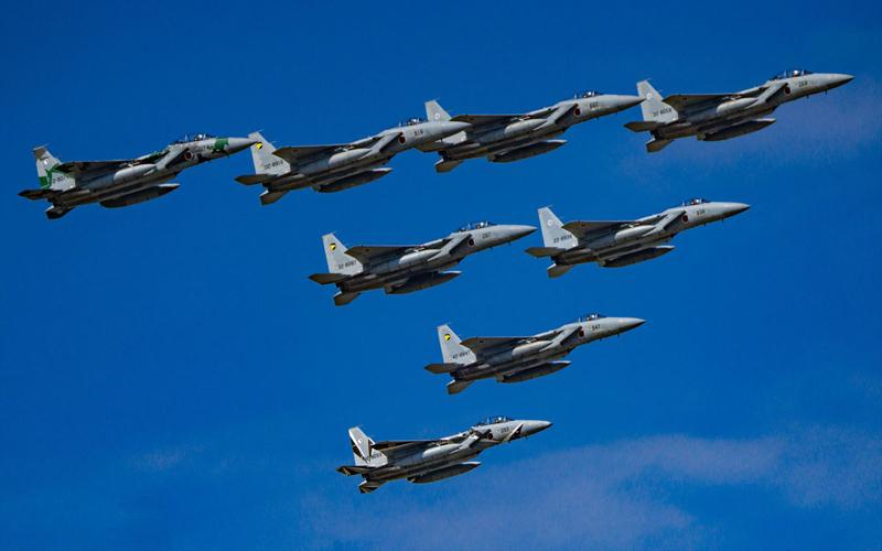 小松基地名物F-15の大編隊飛行