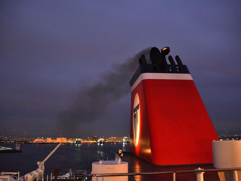 名門大洋フェリーから見る夜景
